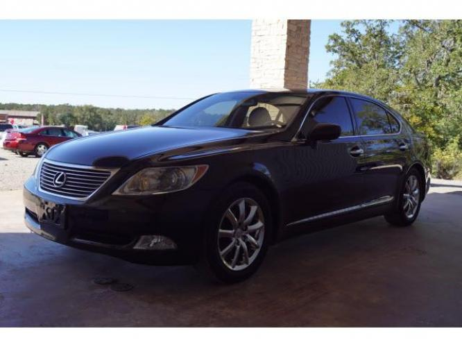 2009 Black Lexus LS 460 L (JTHGL46F695) with an 4.6 8 Cylinder Fuel Injected engine, 8-Speed transmission, located at 18845 State Highway 6 South, College Station, TX, 77845, (979) 690-5300, 30.524399, -96.217979 - Photo #1